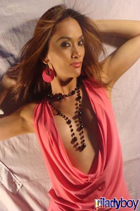 t aubrey piladyboy 01 Filipino Shemale Aubrey In Pink On PiLadyboy!