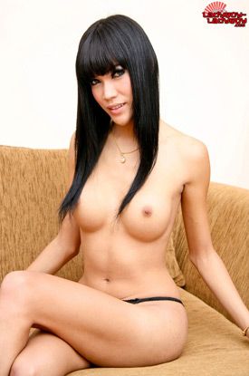 t ladyboy bee 03 Ladyboy Bee Shows Off Her Perfect Body On Ladyboy Ladyboy!