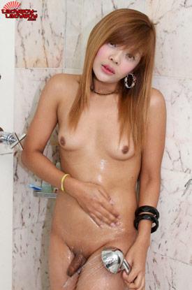 tladyboy nan 01 Sweet And Sexy Nan Comes Clean On Ladyboy Ladyboy!