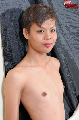 Tunch on Ladyboy-Ladyboy!