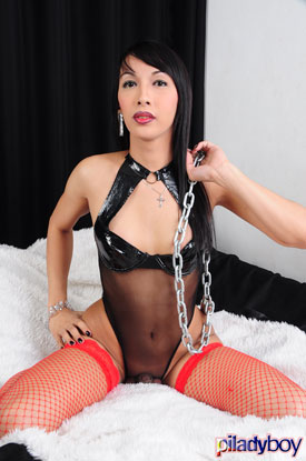 t apple dupple ladyboyweb 01 Sexy Ladyboy Apple Dupple Strokes Her Cock At PiLadyboy!